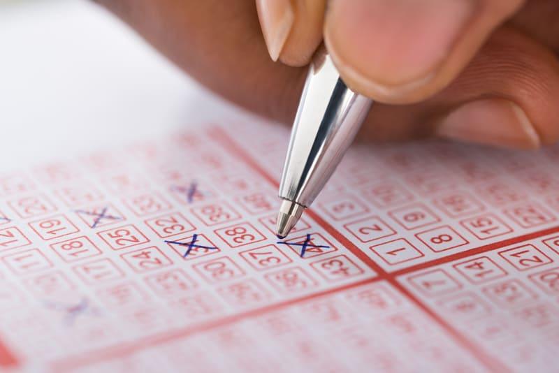 Choose Random Numbers in Lottery